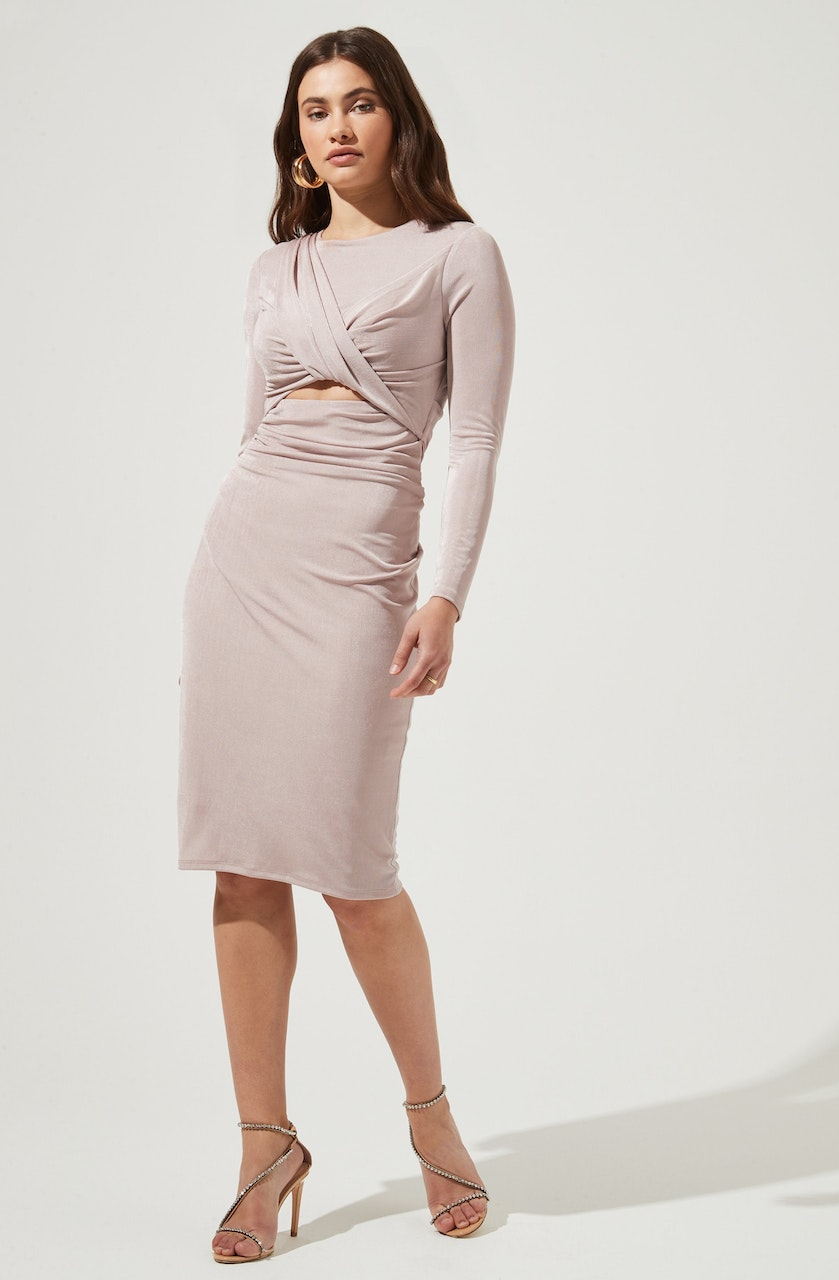 Crewneck Sheath Dress - This one has a classic style to it that's great for special occasions and events. It emphasizes a round neckline. Pair this dress with a belt and a pair of ankle strap heels.