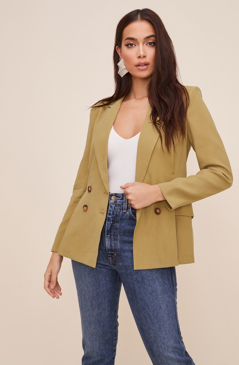 Fitted Pleat Blazer